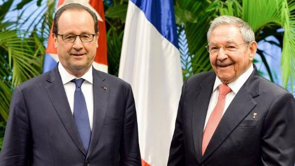Raul Castro and Francoise Hollande